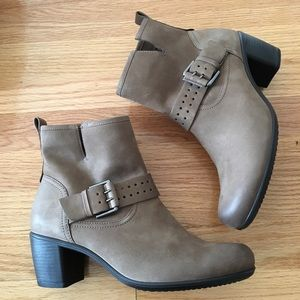 Ecco boots (touch)